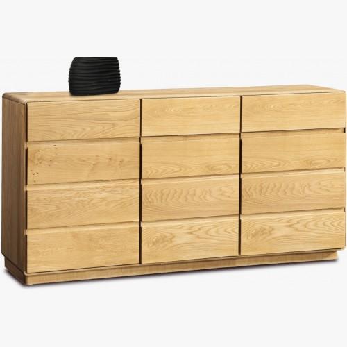 Dřevěná dubová komoda, Helsinki 49