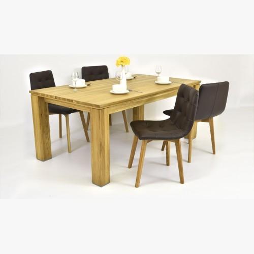 Kožené židle a dubový stůl
