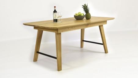 Dřevěný jídelní stůl a židle