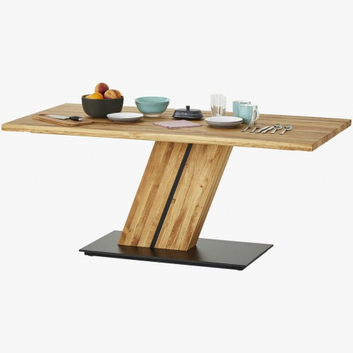Jídelní stůl z jednou nohou...